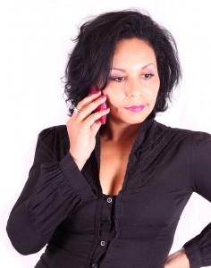 business-333934_960_720 femme telephone